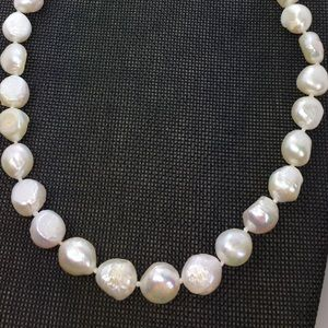 Jewelry - NECKLACE PEARLS Baroque White